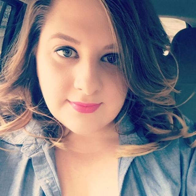 Shelby Floyd-Berrios, though 5 months' pregnant at the time, helped save the life of a fallen federal officer who was shot. (Photo: Facebook)