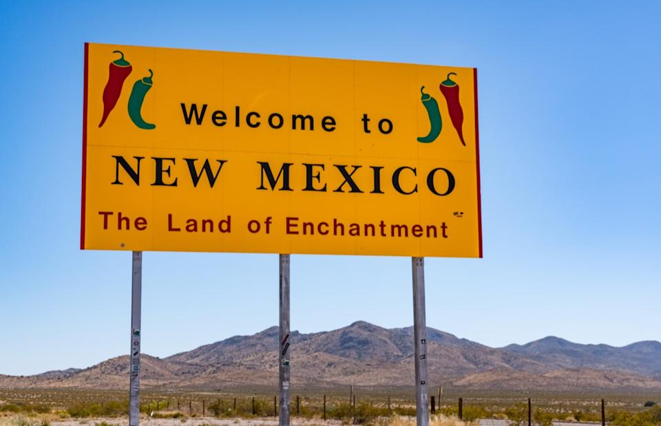 new mexico state welcome sign, iconic state photos