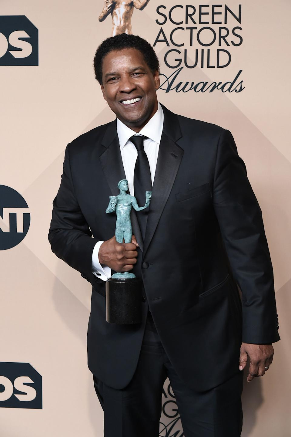 """Denzel Washington is seen backstage atthe SAG Awards.<br /><br />""""I think we as Americans better learn to unite, We need to put our elected officials' feet to the fire and demand that they work together or they won't get back into office."""""""