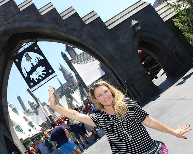 <p>The actress was excited for a day at the Wizarding World of Harry Potter at Universal Studios Hollywood. Can you tell? (Photo: Bryan Goldsworthy/Universal Studios Hollywood) </p>
