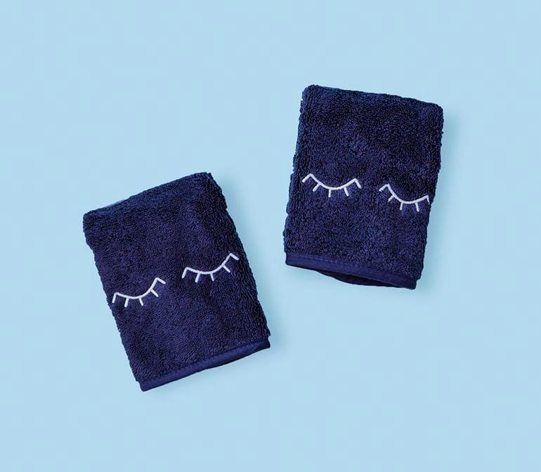 """<p>weezietowels.com</p><p><strong>$40.00</strong></p><p><a href=""""https://go.redirectingat.com?id=74968X1596630&url=https%3A%2F%2Fweezietowels.com%2Fproducts%2Fmakeup-towel&sref=https%3A%2F%2Fwww.housebeautiful.com%2Fentertaining%2Fholidays-celebrations%2Fg34417015%2Fpractical-gifts%2F"""" rel=""""nofollow noopener"""" target=""""_blank"""" data-ylk=""""slk:BUY NOW"""" class=""""link rapid-noclick-resp"""">BUY NOW</a></p><p>This pair of </p>"""