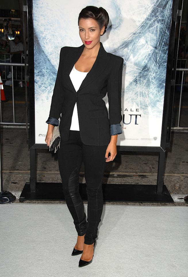 "<a href=""http://movies.yahoo.com/movie/contributor/1810031586"">Kim Kardashian</a> at the Los Angeles premiere of <a href=""http://movies.yahoo.com/movie/1809839458/info"">Whiteout</a> - 09/09/2009"