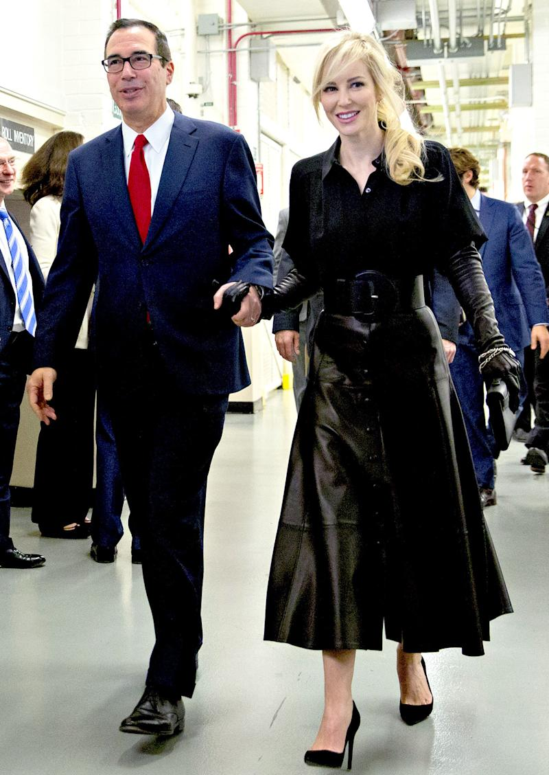 Louise Linton Reflects on 'Movie Villain' Money Photo: 'I Really Hope I Can Wear That Outfit Again'