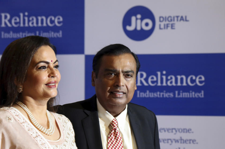 Reliance Jio, launched in 2016, accumulated massive debt as it enticed subscribers with its free voice calling and dirt-cheap data. The risky bet paid off – it became the number one player in the Indian telecom industry in no time. Impressed by its raging success, global investors pumped 1.16 crore rupees in the telecom arm of Reliance Industries. Of them, Facebook and Google invested $5.7 billion in April and $4.5 billion in June respectively for a minority stake in the company. This not just helped Reliance Jio, but also its parent Reliance Industries, clear a massive debt of Rs 161,035 crore in less than two months – and in the middle of a global pandemic in June. The aim was to get there by 31 March 2021.