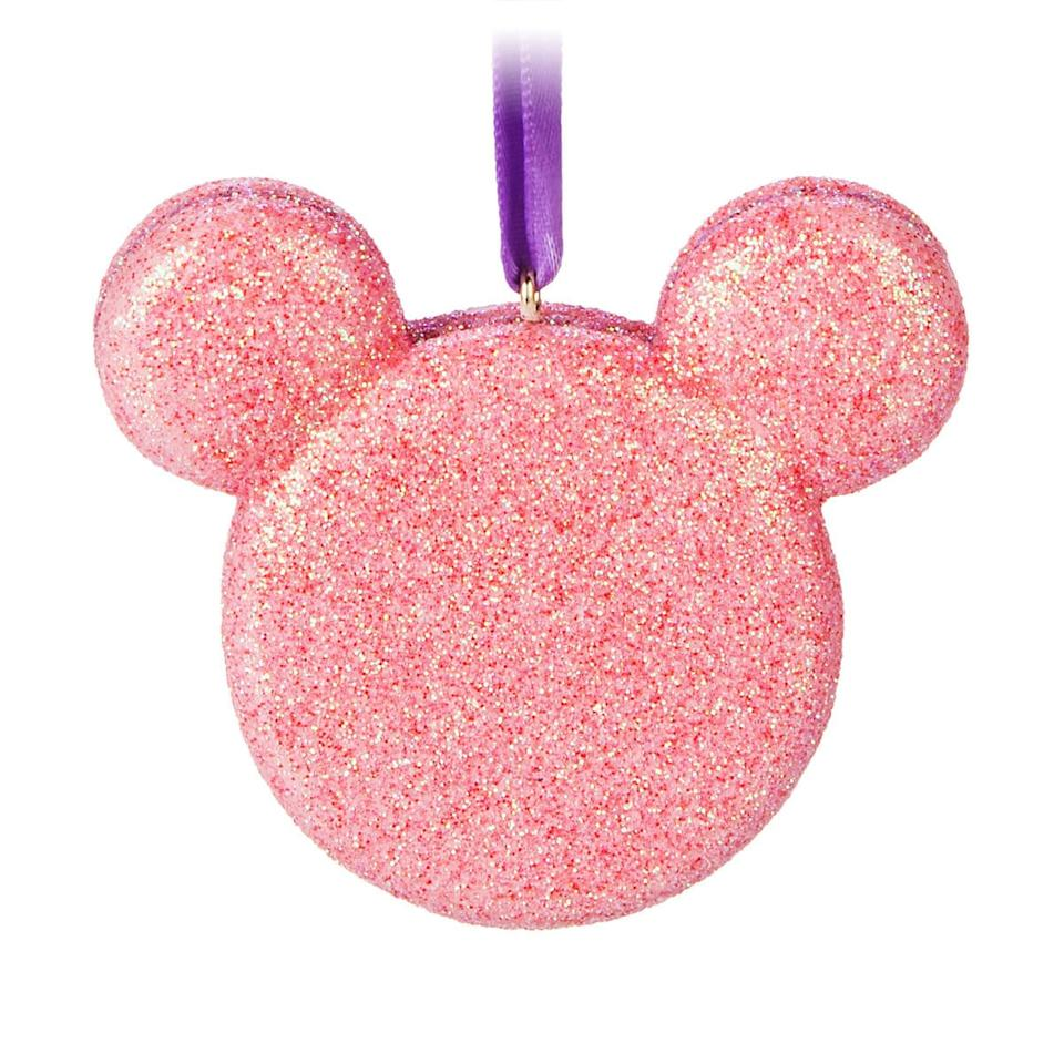 """<p><strong></strong></p><p>shopdisney.com</p><p><strong>$16.99</strong></p><p><a href=""""https://go.redirectingat.com?id=74968X1596630&url=https%3A%2F%2Fwww.shopdisney.com%2Fmickey-mouse-macaron-cookie-ornament-1516099&sref=http%3A%2F%2Fwww.delish.com%2Fkitchen-tools%2Fcookware-reviews%2Fg28482726%2Fdisney-christmas-in-july-ornaments%2F"""" target=""""_blank"""">BUY NOW</a></p><p>Have your (Christmas) cookie and eat it, too!</p>"""