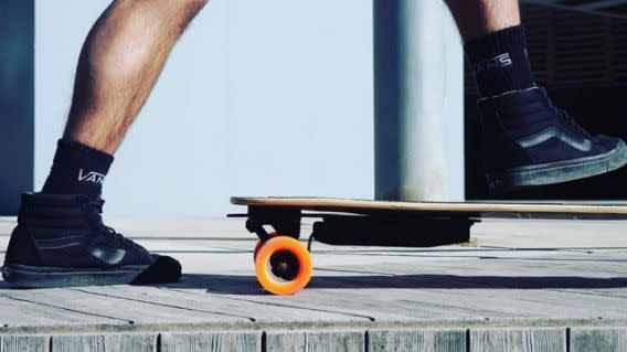 Unlimited Engineering launched a Kickstarter campaign that makes any skateboard an electric one.