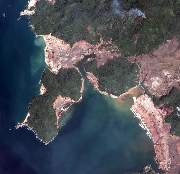 FILE - This satellite image released by DigitalGlobe shows an overview taken Jan. 2, 2005 of southern Banda Aceh, Sumatra, Indonesia after the Indian Ocean tsunamis. The U.S. Geological Survey said early Wednesday April 11, 2012 a 8.7-magnitude quake was centered 20 miles (33 kilometers) beneath the ocean floor around 269 miles (434 kilometers) from Aceh's provincial capital. (AP Photo/DigitalGlobe, File) ** NO SALES **