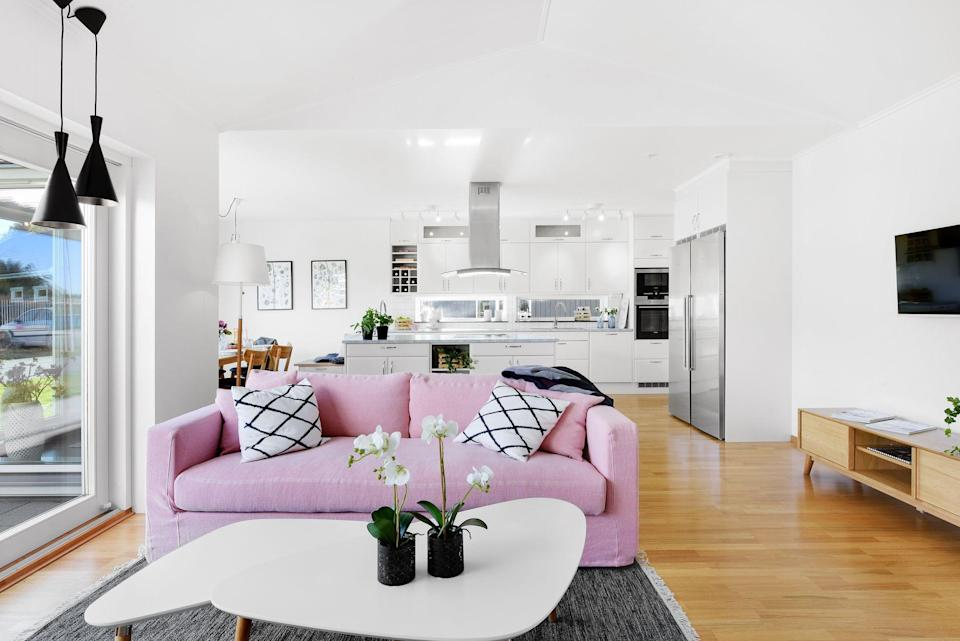 """<p>Whether you're always looking for new and ingenious ways to <a href=""""https://www.womansday.com/home/organizing-cleaning/"""" rel=""""nofollow noopener"""" target=""""_blank"""" data-ylk=""""slk:reorganize your space"""" class=""""link rapid-noclick-resp"""">reorganize your space</a>, or living that """"less is more"""" life is your newly minted <a href=""""https://www.womansday.com/life/g2797/new-years-resolution-ideas/"""" rel=""""nofollow noopener"""" target=""""_blank"""" data-ylk=""""slk:New Year's resolution,"""" class=""""link rapid-noclick-resp"""">New Year's resolution,</a> it's never a bad time to tackle the clutter in your life and <a href=""""https://www.womansday.com/home/organizing-cleaning/tips/g298/closet-organization-storage-ideas/"""" rel=""""nofollow noopener"""" target=""""_blank"""" data-ylk=""""slk:reorganize your home"""" class=""""link rapid-noclick-resp"""">reorganize your home</a> so that it works for you and not against you. Thankfully, <em>Woman's Day</em> checked in with some certified <a href=""""https://www.napo.net/page/about_napo"""" rel=""""nofollow noopener"""" target=""""_blank"""" data-ylk=""""slk:National Association of Productivity & Organizing Professionals"""" class=""""link rapid-noclick-resp"""">National Association of Productivity & Organizing Professionals</a> members to uncover and highlight the best tips and tricks for tidying up even the peskiest of spaces. And if the following organization tips proves anything, it's that a little bit really does go <em>a long</em> way. </p><p>""""Organization, to me, is one of the most calming and stress-free therapeutic vitamins that you could ever take,"""" Wendy Silberstein, a professional organizer who's also known as <a href=""""https://www.theaestheticorganizer.com/about"""" rel=""""nofollow noopener"""" target=""""_blank"""" data-ylk=""""slk:the Aesthetic Organizer"""" class=""""link rapid-noclick-resp"""">the Aesthetic Organizer</a>, tells <em>Woman's Day</em>. """"Organization dictates what your daily life will be like; it brings families together; it brings marriages together; and it makes daily life so much simpler."""" </p><p>Profes"""