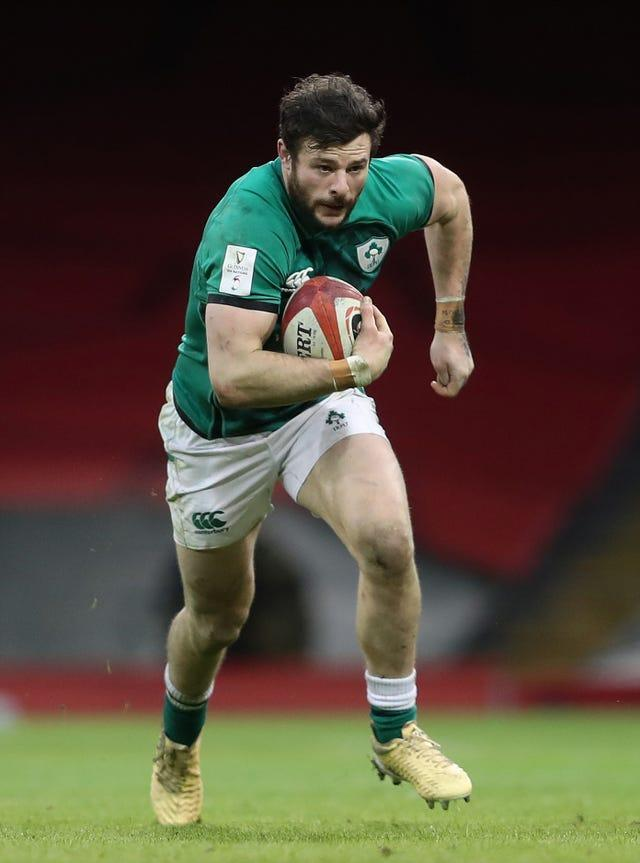 Robbie Henshaw returns at centre for the Lions