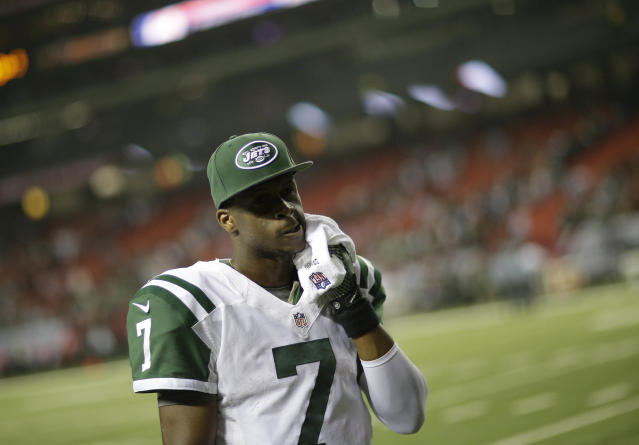 New York Jets quarterback Geno Smith walks off the field after the second half of an NFL football game against the Atlanta Falcons, Monday, Oct. 7, 2013, in Atlanta. The New York Jets won 30-28. (AP Photo/David Goldman)