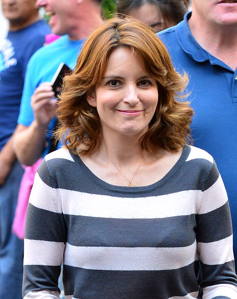 "NEW YORK, NY - AUGUST 28:  Tina Fey filming on location for ""30 Rock"" on August 28, 2012 in New York City.  (Photo by James Devaney/WireImage)"