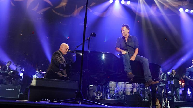 Bruce Springsteen Wows Audience During Billy Joel S 100th Concert At Madison Square Garden