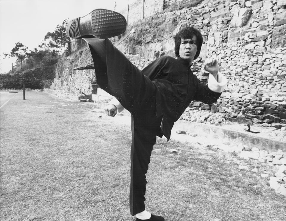 Actor Bruce Lee on the set of the movie 'Enter the Dragon', 1973. (Photo by Stanley Bielecki Movie Collection/Getty Images)