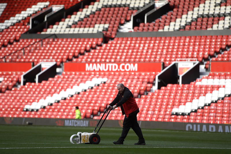 Manchester United have sent their groundsman to China, ahead of their match with Tottenham. (Credit: Getty Images)