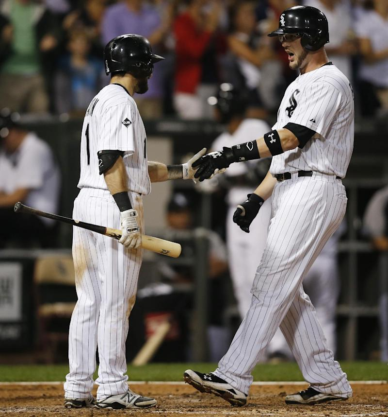 Flowers, Abreu lead White Sox to 5-3 win