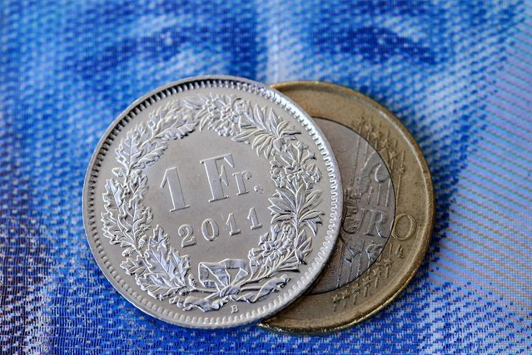 A strong Swiss franc wil hit the profitability of the country's private banks that specialise in wealth management, the head of their association says