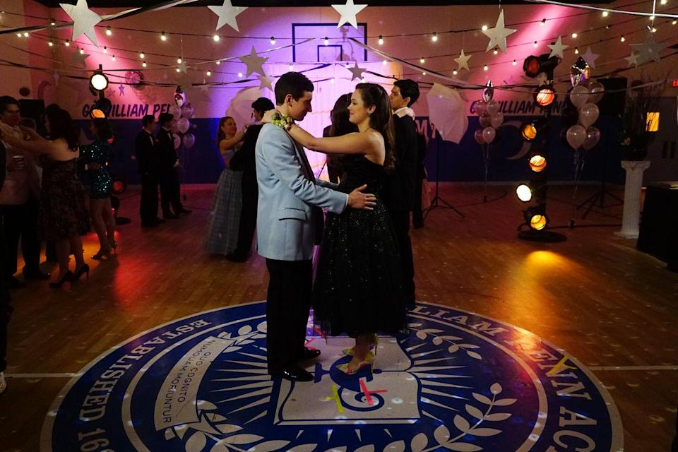 "<p>Between her date's powder blue jacket and the sparkly tulle skirt on her dress, Erica did a great job of wearing a very '80s-inspired look to her prom. </p><p><a class=""link rapid-noclick-resp"" href=""https://www.amazon.com/The-Goldbergs-Season-1/dp/B00F2PH3F8?tag=syn-yahoo-20&ascsubtag=%5Bartid%7C10063.g.36197518%5Bsrc%7Cyahoo-us"" rel=""nofollow noopener"" target=""_blank"" data-ylk=""slk:STREAM NOW"">STREAM NOW</a></p>"