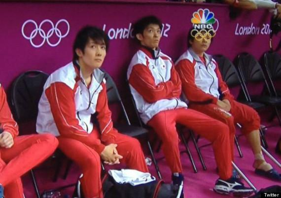 A perfectly placed Olympic logo creates goggles on a Japanese athlete (BuzzFeed/@AlsBoy)