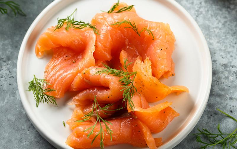 Smoked salmon with dill and mustard sauce (Photo: Mariha-kitchen via Getty Images)