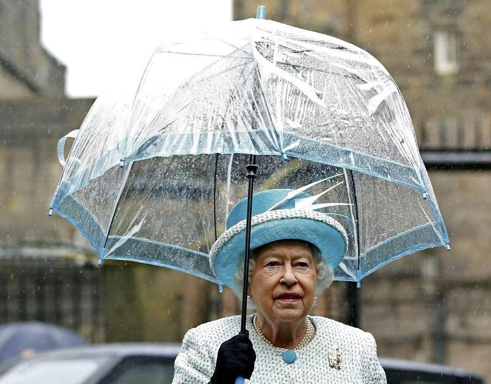 <p>Once again, the Queen sports a well-matched umbrella during a visit to Lancaster Castle.<br></p>