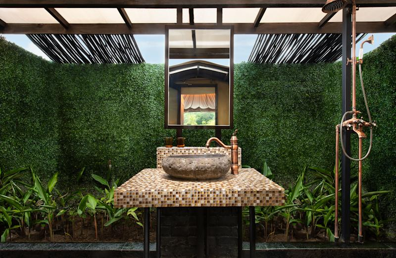 Outdoor shower area. (PHOTO: Natra Bintan)