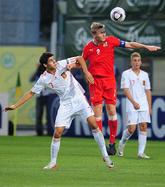 Spain's Alvaro Morata (L) vies with Czech Republic's Jakub Brabek (R) during their UEFA European Under-19 Championship 2010/2011 final football match in Chiajna village, next to Bucharest, on August 1, 2011. AFP PHOTO/DANIEL MIHAILESCU (Photo credit should read DANIEL MIHAILESCU/AFP/Getty Images)