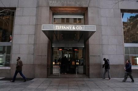 Chasing Chinese consumers, Tiffany CEO sends top bling abroad