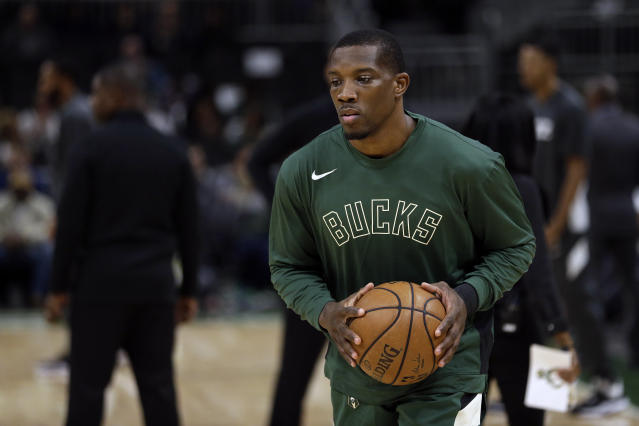 Bucks point guard Eric Bledsoe is expected to miss two to three weeks with a fractured rib. (AP Photo/Aaron Gash)