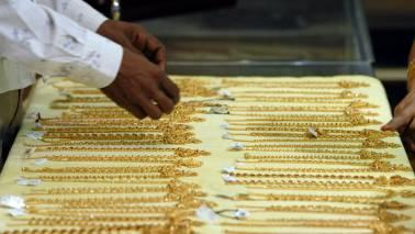 Gold was being sold at a discount in Indian markets for the sixth straight week.