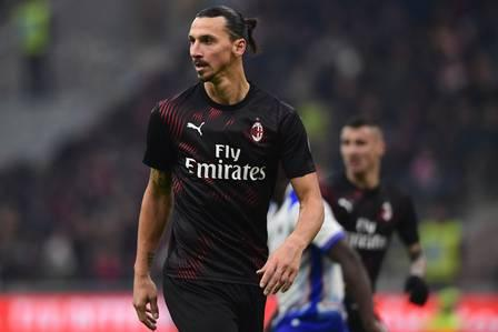 86396256_AC Milan's Swedish forward Zlatan Ibrahimovic follows the action during the Italian Serie A.jpg