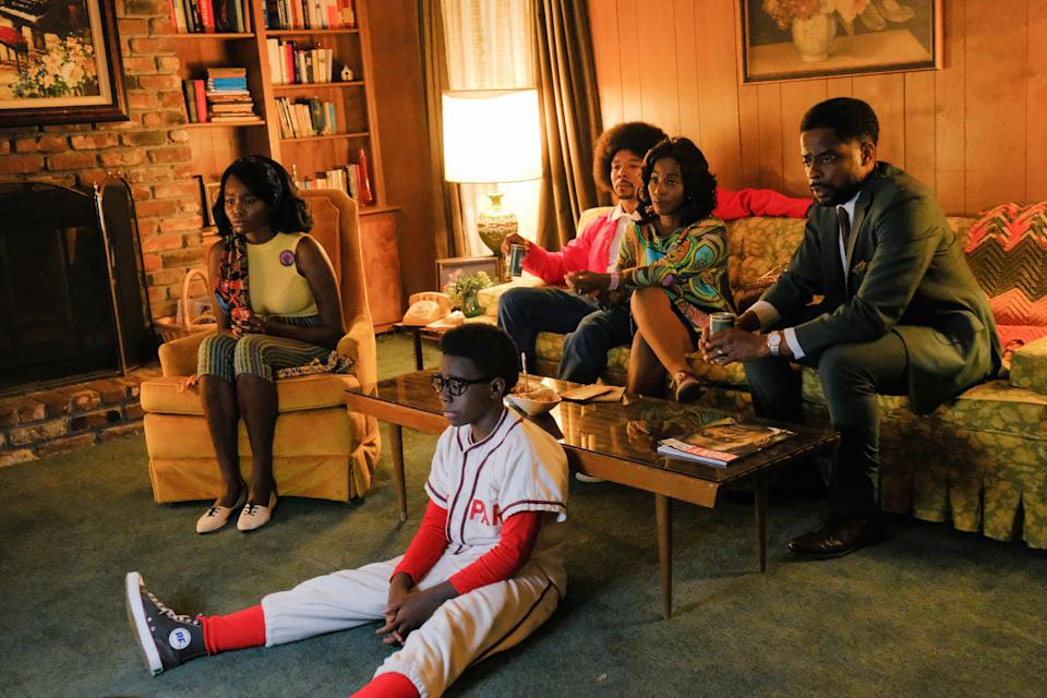 Inspired by the beloved series of the same name, The Wonder Yearsis a new coming-of-age comedy that follows the Williams family during the late 1960s and is seen through the eyes of 12-year-old Dean. An adult Dean recalls the ups and downs of growing up in a Black middle-class family in Alabama, and all of the friendship, laughter, and lessons that came with it.Starring:Elisha