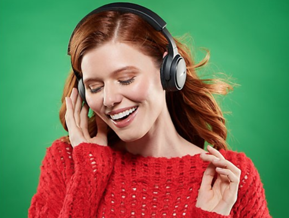 Don't miss the chance to get fancy-schmancy Bose headphones for 44 percent off. (Photo: Bose)