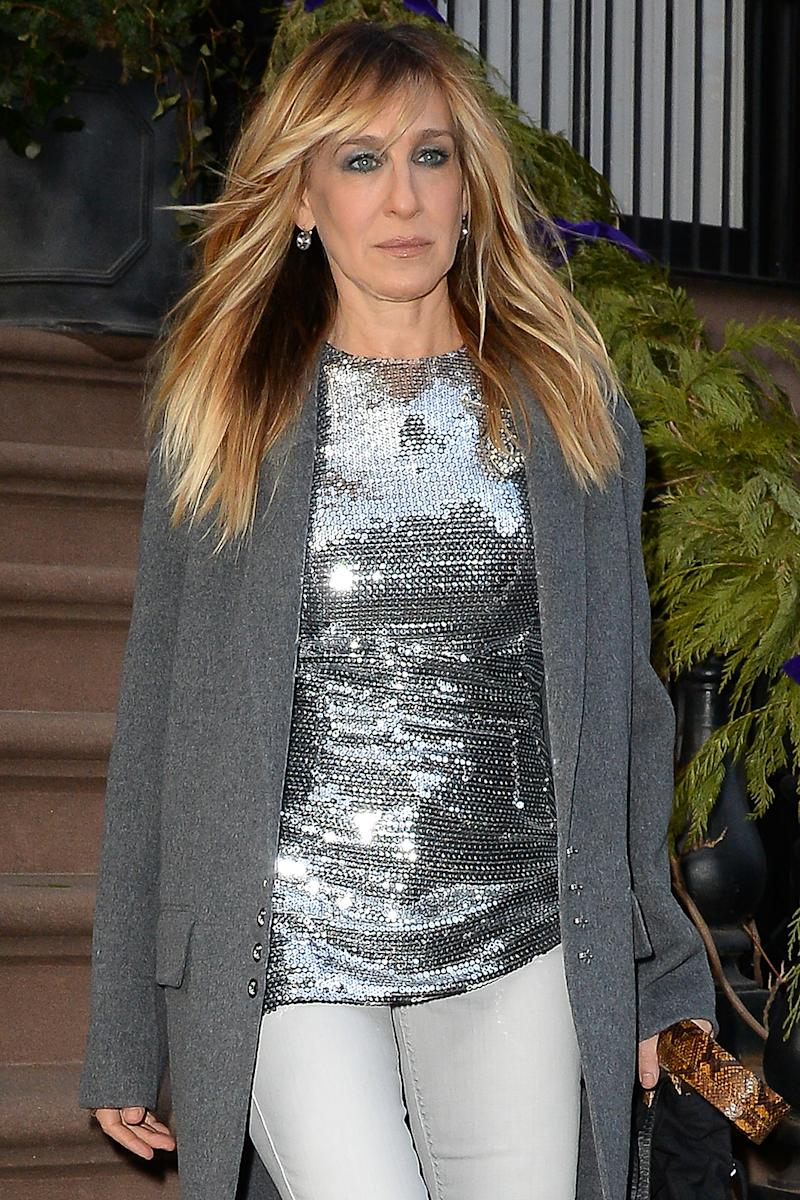 sarah jessica parker debuts new bangs in nyc