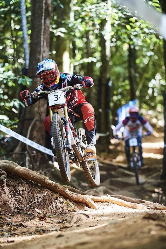 CAIRNS, AUSTRALIA - SEPTEMBER 07: Aaron Gwin of the USA rides in a downhill practice session during the 2017 Mountain Bike World Championships on September 7, 2017 in Cairns, Australia. (Photo by Brett Hemmings/Getty Images)