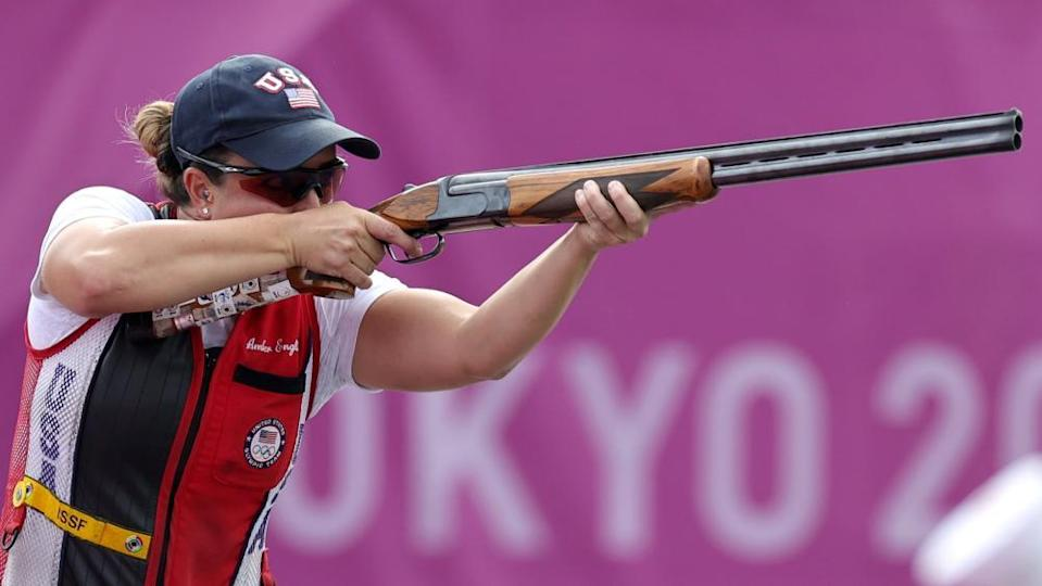 Amber English of the US in action in the skeet shooting.