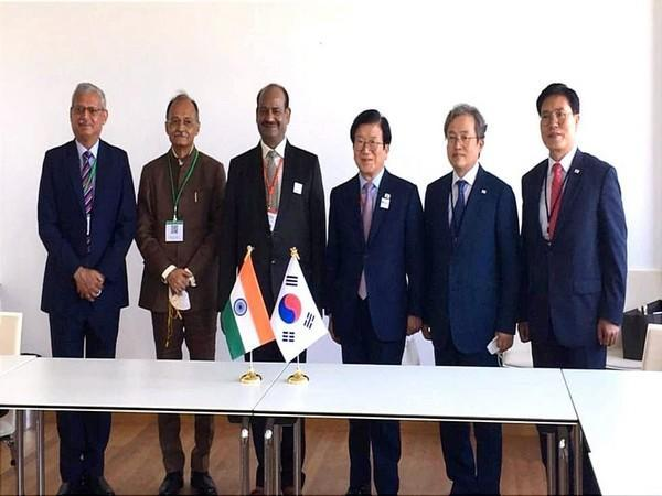 Bilateral meeting between India and Republic of Korea. Picture Courtesy: Twitter/OmBirlaKota
