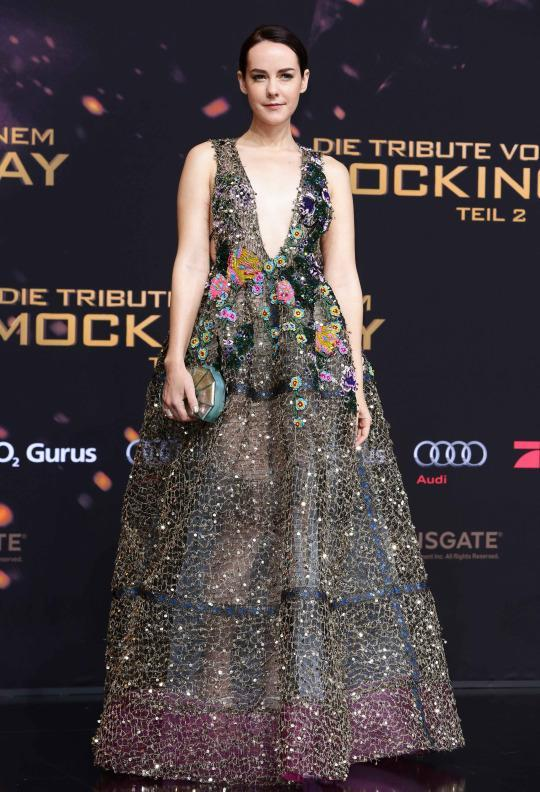 """Jena Malone in Reem Acra at """"The Hunger Games: Mockingjay Part 2″ London premiere. [Photo: Rex]"""