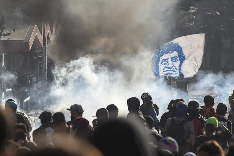 Chile's government makes more economic concessions in bid to curb protests