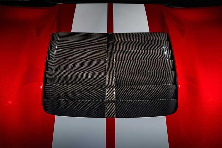 Ford-Mustang-Shelby-GT500-hood-vent