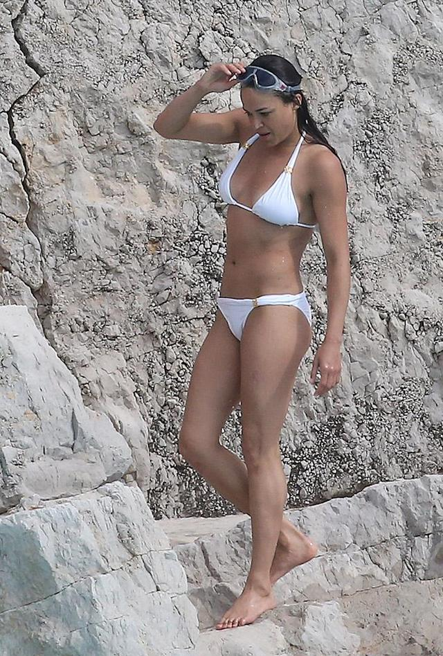 <p>The<em> Fate of the Furious</em> star flaunted her fab physique at the Hotel du Cap-Eden-Roc. (Photo: Splash News) </p>