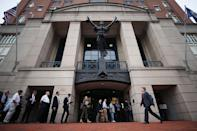 <p>People wait in line to enter the Albert V. Bryan United States Courthouse to attend the trial of former Trump campaign manager Paul Manafort was arrested last year on financial fraud charges, on July 31, 2018 in Alexandria, Va. (Photo: Mark Wilson/Getty Images) </p>