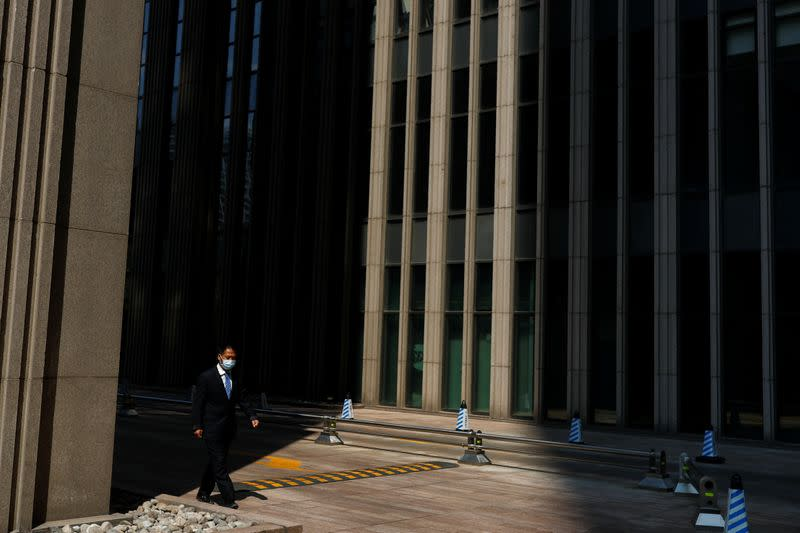 Global Economy: Pandemic throws Asia's services firms, factories into deeper decline
