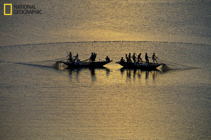 """Took this shot from the Panchet Dam in Jharkhand, India. (Photo and caption Courtesy Himadri Chakraborty / National Geographic Your Shot) <br> <br> <a href=""""http://ngm.nationalgeographic.com/your-shot/weekly-wrapper"""" rel=""""nofollow noopener"""" target=""""_blank"""" data-ylk=""""slk:Click here"""" class=""""link rapid-noclick-resp"""">Click here</a> for more photos from National Geographic Your Shot."""