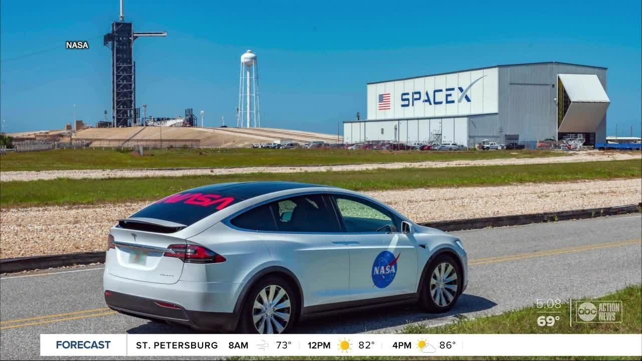 NASA astronauts to travel to the launch pad in a Tesla ...