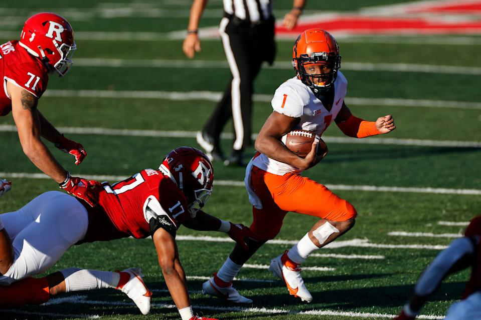 Illinois quarterback Isaiah Williams (1) in action against Rutgers during an NCAA college football game, Saturday, Nov. 14, 2020, in Piscataway, N.J. Illinois won 23 - 20.