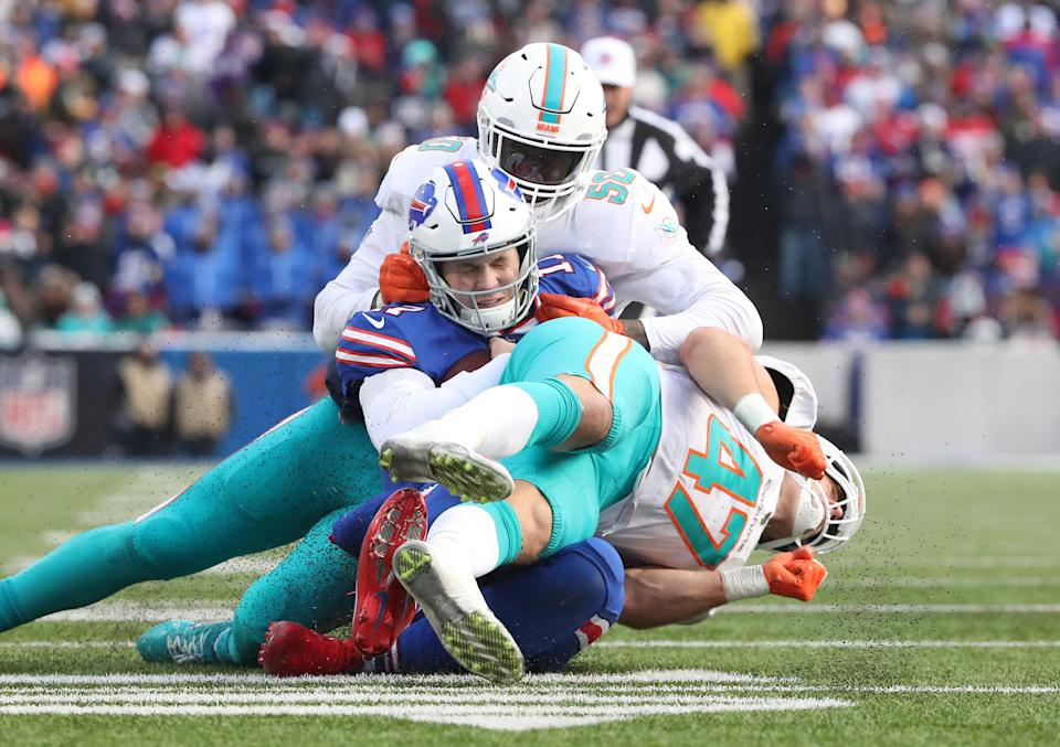 Miami Dolphins linebacker Kiko Alonso was ejected in Week 17. (Getty Images)