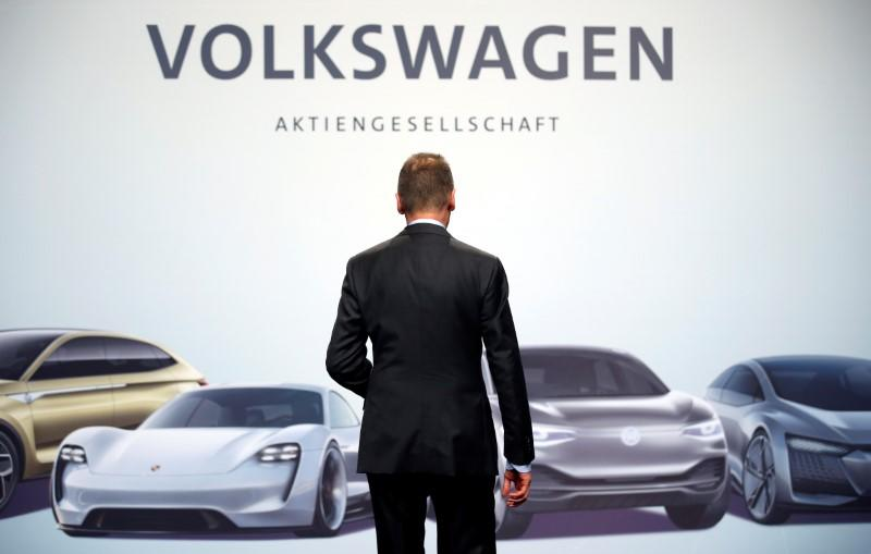 Volkswagen CEO warns factory closures may drag on for weeks
