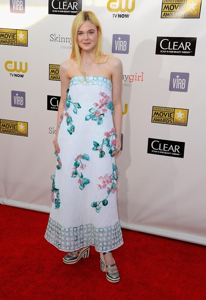 SANTA MONICA, CA - JANUARY 10:  Actress Dakota Fanning arrives at the 18th Annual Critics' Choice Movie Awards at Barker Hangar on January 10, 2013 in Santa Monica, California.  (Photo by Frazer Harrison/Getty Images)