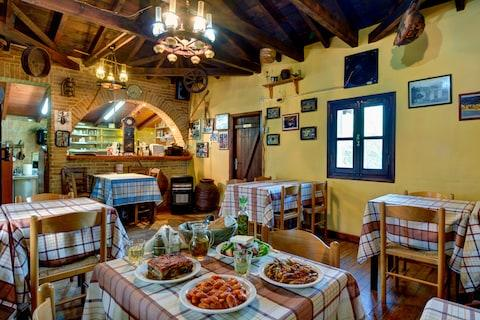 Mountain taverna and home-cooked dishes - Credit: SUNVIL.CO.UK