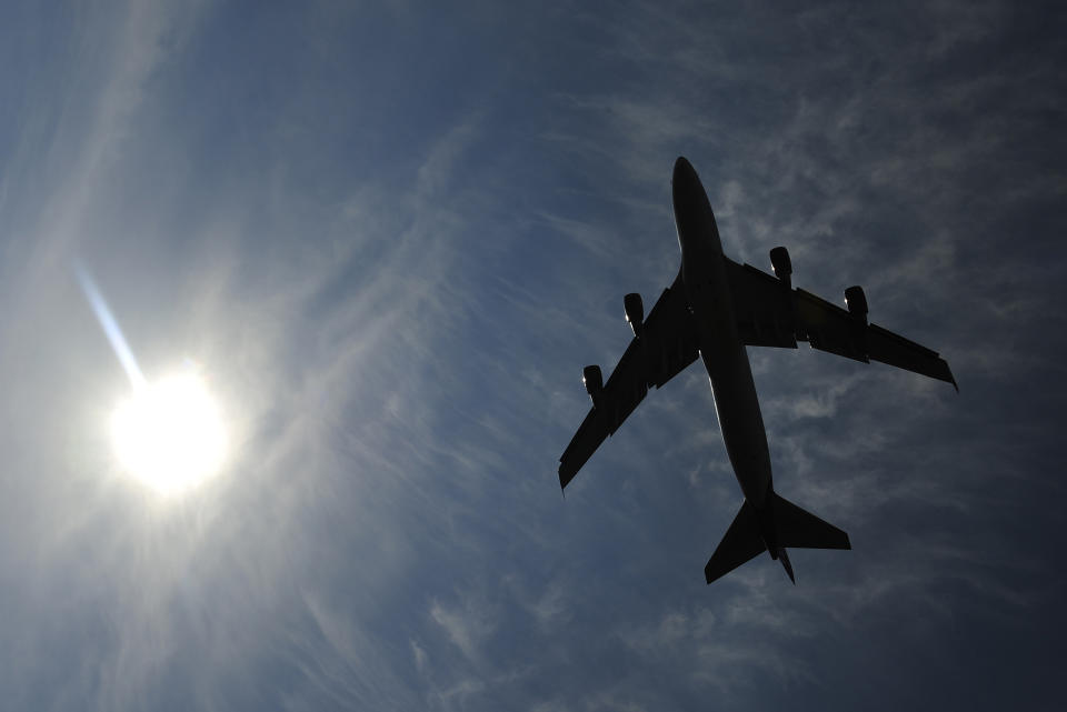 A jumbo jet takes off shortly after midday from Heathrow Airport in west London April 15, 2010.  A huge cloud of ash from a volcano in Iceland turned the skies of northern Europe into a no-fly zone on Thursday, leaving hundreds of thousands of passengers stranded. No flights are allowed in British air space, except in emergencies, from 12 p.m. until at least 6 p.m. as the ash spreads across the country, the National Air Traffic Service (NATS) said.REUTERS/Toby Melville (BRITAIN - Tags: TRANSPORT ENVIRONMENT TRAVEL)